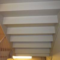 階段の上裏