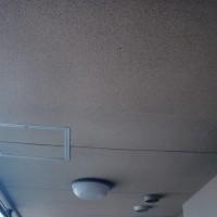 共用廊下の上裏